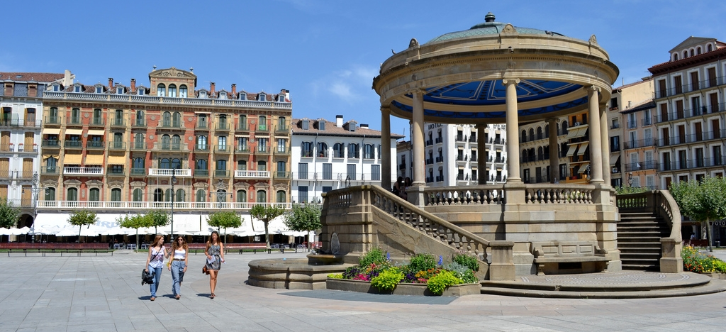Guided tour in Aragon, Navarra and the Basque Country (8 days, 7 nights)
